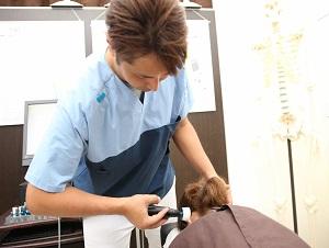 三島市 起立性調節障害(不登校)の頭の施術